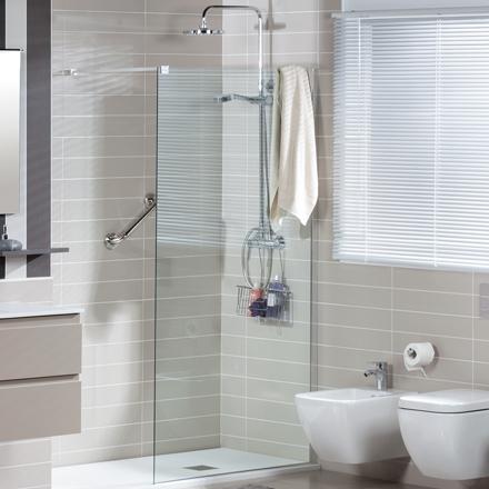 Tu ba o se te hace peque o 5 consejos para darle for Banos pequenos con plato de ducha