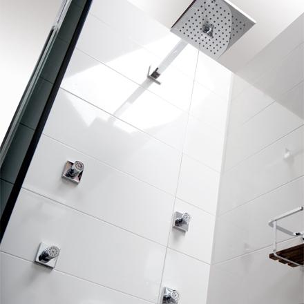 3 sistemas de ducha ideales para el cambio de ba era por for Griferia aua