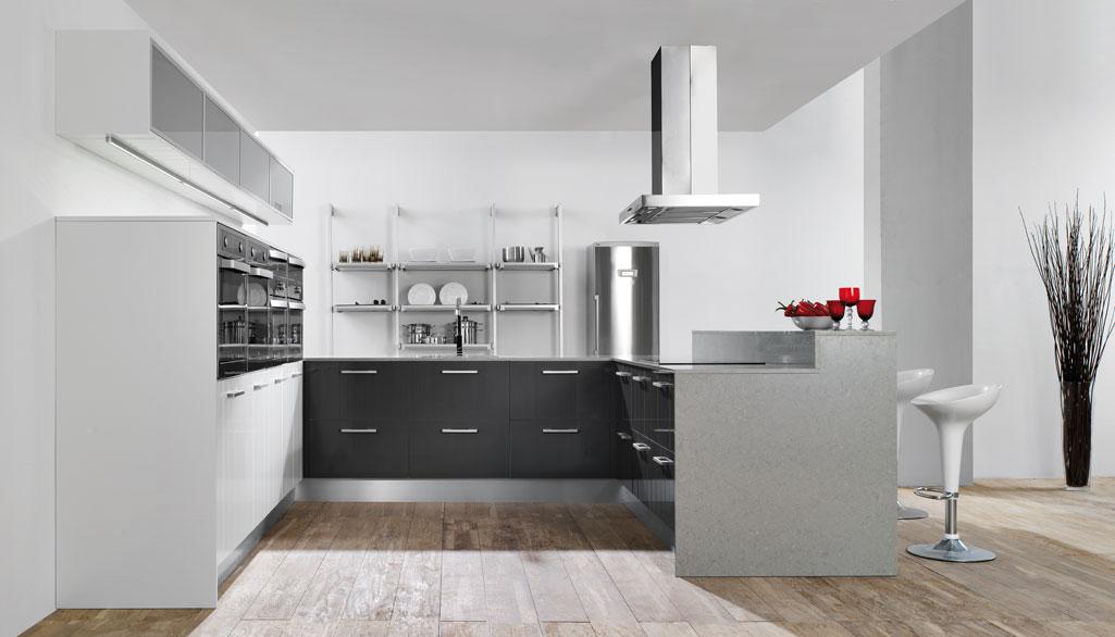 Cocinas con suelo imitacion madera adems de los tonos for Con que limpiar los armarios de la cocina
