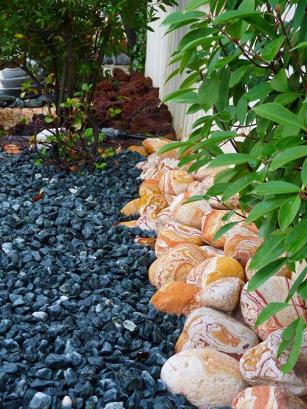 Terrazas y jardines protagonistas de la casa grup gamma for Jardines adornados con piedras