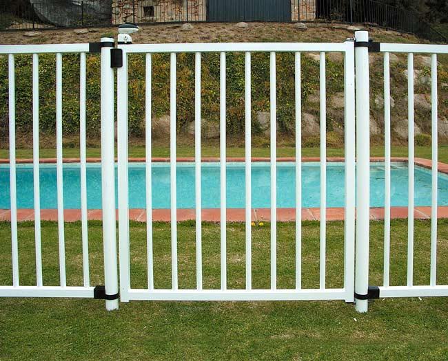 Sistemas de seguridad para piscinas grup gamma - Vallas de seguridad ninos ...
