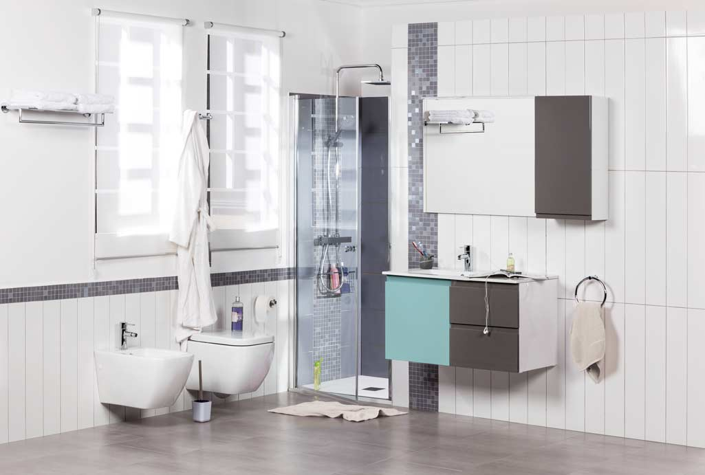 Mueble GO de Tattom en colores azul sky y gris En baño completo con