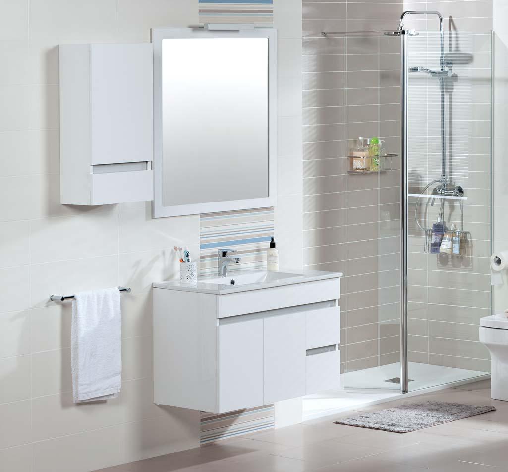 Mueble MATTY de la marca Tattom de Grup Gamma en color blanco acompañado de una semicolumna colgada al lado del espejo.