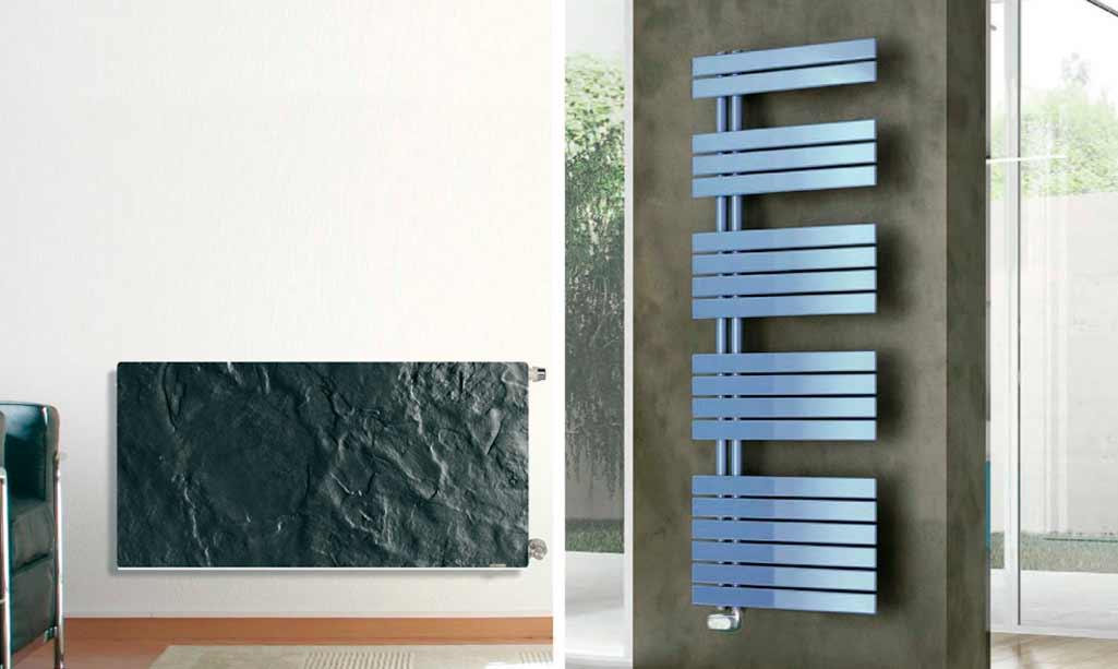Radiadores frío modelo H20DK en negro en salón y FUNKY de Irsap en azul en un baño.