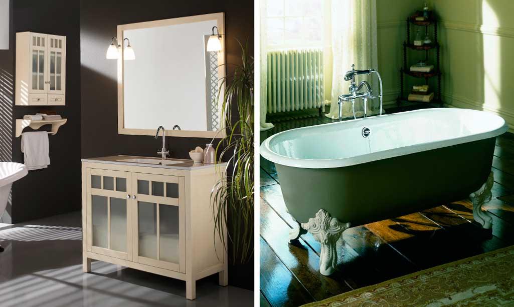 Baño vintage donde aparece un mueble casi blanco con las puertas de cristal y cortinas. Y una bañera con patas.