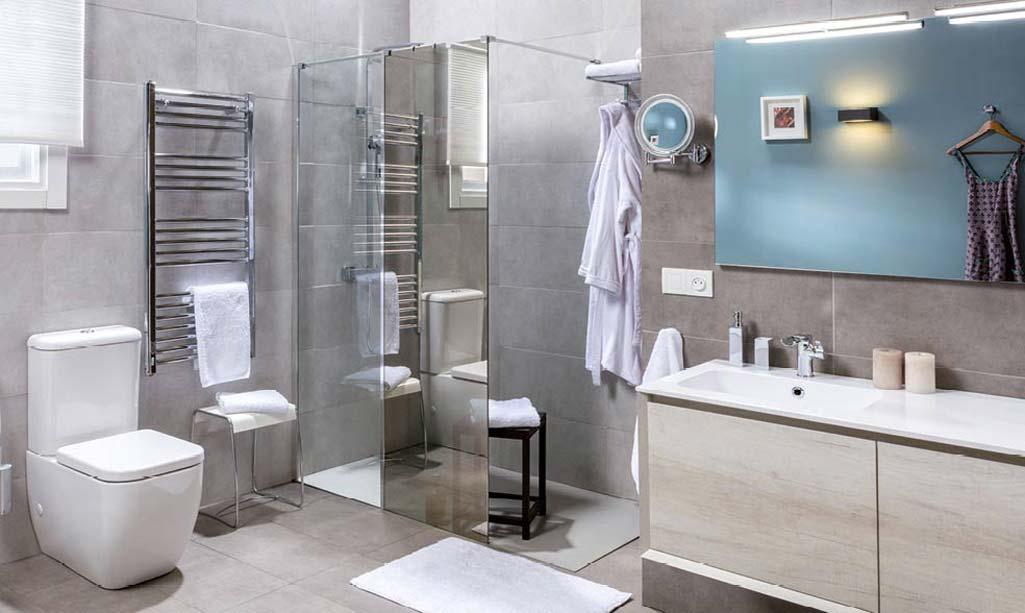 Banium donde aparece un ambiente de baño completo con el mueble ANGLET de la marca Tattom de Grup Gamma.