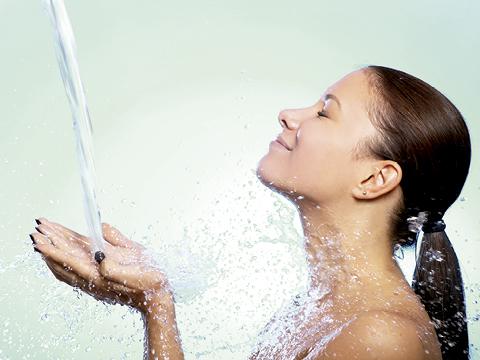 naturaleza, naturaleza en tu cuarto de baño, la naturaleza invade tu baño.