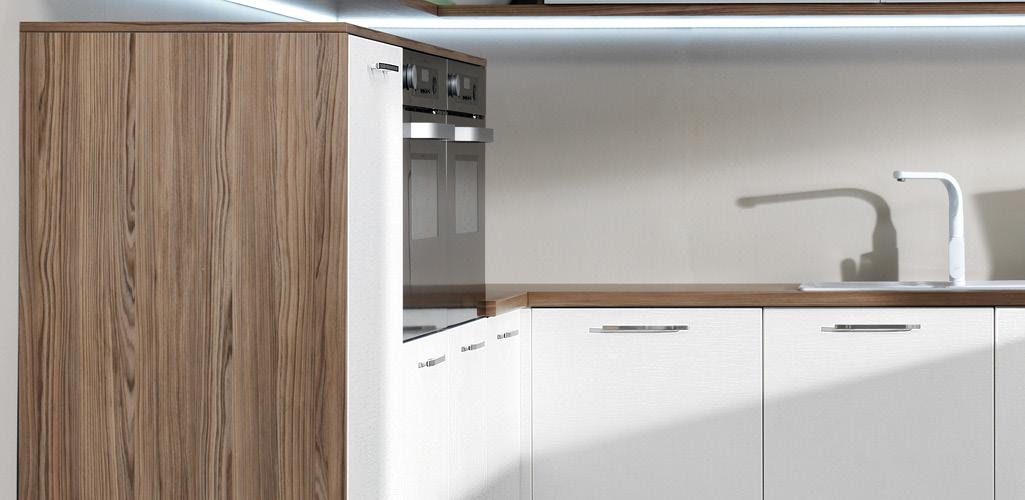 5 trucos para decorar cocinas peque as grup gamma for Como aprovechar una cocina pequena
